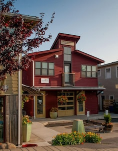 The new Main Street Station has four fully equipped guest apartments.