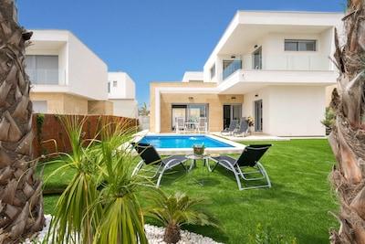 Magnifique villa avec piscine privée chauffée