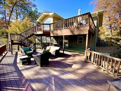 Three levels of decks offer plenty of entertaining options overlooking the lake!