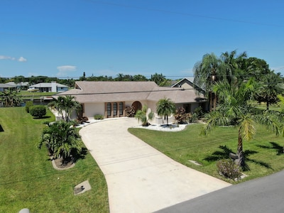 Beautiful Waterfront with Heated Pool - Extra wide canal - pet friendly