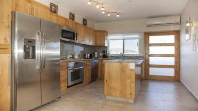 Beautiful Stocked kitchen