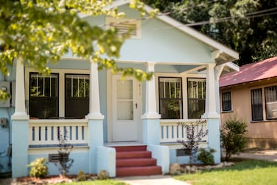 Charming Cute Cottage walking distance to downtown Hot Springs