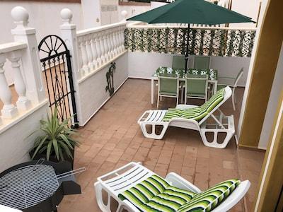 Großes Apartment mit 2 Schlafzimmern - Privater Garten - 10 Minuten vom Strand / Boulevard La Zenia entfernt