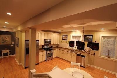 Beautiful open floor plan for great entertaining!