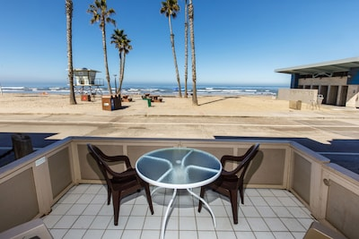 Patio/View - If you love being a part of the beach scene, Pacific Paradise Cottage is for you!