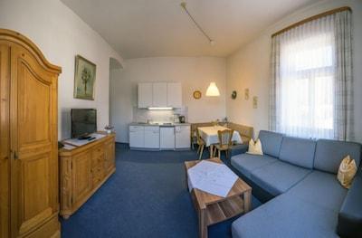 helle, gemütliche Ferienwohnung-Wohnbereich