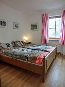 Ferienwohnung 4, im Erdgeschoss mit Seeblick, 1-2 Personen, 36qm-Schlafzimmer Wohnung 4
