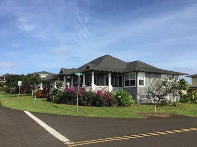FRONT OF MAIN HOUSE W/ SEPARATE GUEST HOUSE , INCLUDED IN ONE PRICE; SPA & LANAI