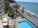 Hotel apartment with direct sea access and swimming pool.