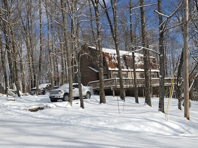 Exterior - Winter wonderland in the cabin in the woods