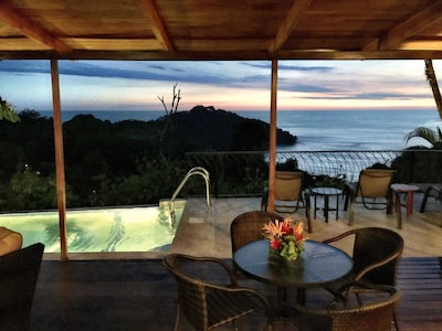 Welcome to Casa Paloma's view. Walk to everything.