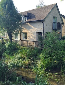 The perfect base for exploring the Cotswolds or simply chilling by the Thames