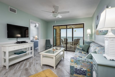 Your Next Home Away From Home - You're going to fall in love with Smuggler's Cove 5B5! With its convenient open floor plan, modern amenities, and tasteful decor, what more could you ask for?