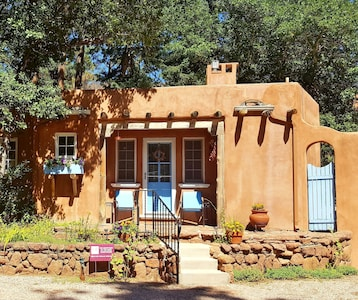 Sanctuary of the Rose Guesthouse...Relax, Retreat, Renew. Mountain Luxury for 2