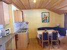Appartement 4 mit Balkon und toller Aussicht-Wohnküche App 4