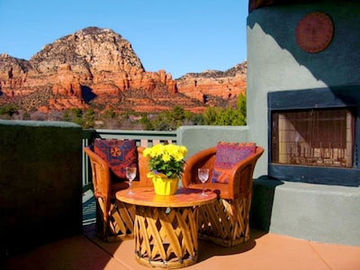 Gorgeous Red Rock Patio Views--Absolutely Stunning!!!