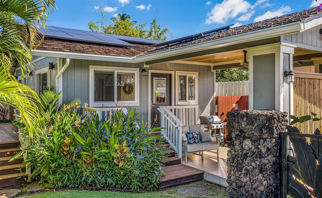 Will you plan Hawaii vacation in a cute vacation cottage or a resort
