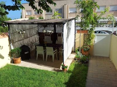 SUPER OFERTA!!!  Un placer con jardin junto al mar mediterráneo