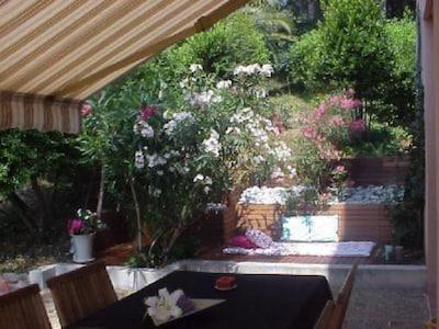 Cagnes sur Mer  - appartement  rez-jardin dans résidence standing avec piscine
