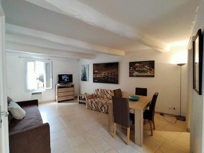 Centre-ville de Saint-Maxime, Sainte-Maxime, Var, France