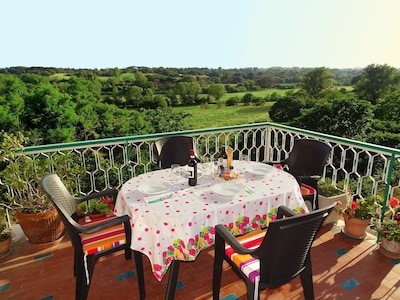 The big terrace over the Caffarella Park, perfect for dinner!