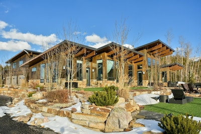 Incredible mountain top location with multiple outdoor patios