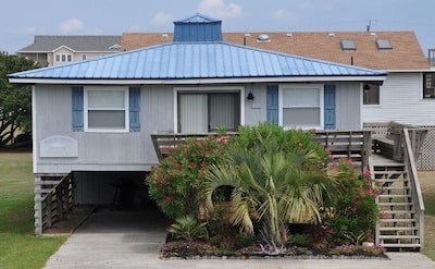 Beautiful OBX cottage completely redone by the family who loves and owns it!