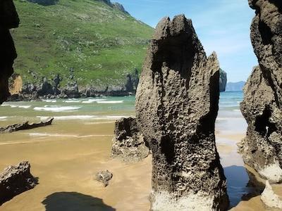 Plage Sonabia à marée basse, une merveille de la nature, à seulement douce minutes à pied