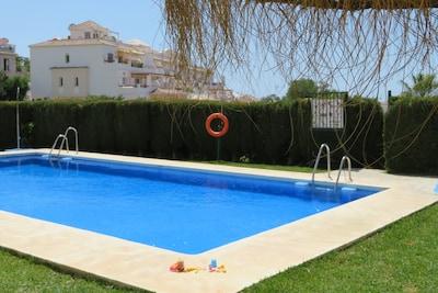 Swimming pool OPEN Piscine  OUVERTE Swimmingbad Piscina  ABIERTA