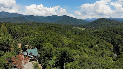 Bearadise Inn located in the beautiful Smoky Mountains!
