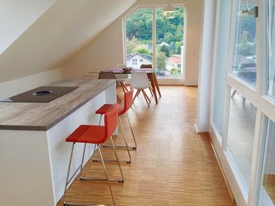 Küchentheke und Essplatz
