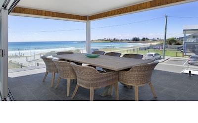 AURA - Beachfront Holiday