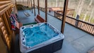 Covered 7 seat hot tub w/ LED color changing lights & panoramic mountain view!
