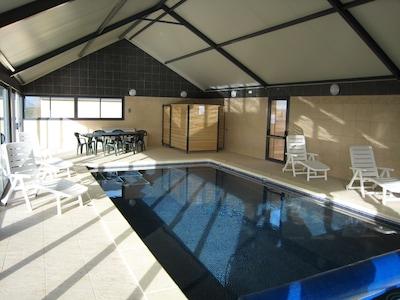 piscine intérieure partagée