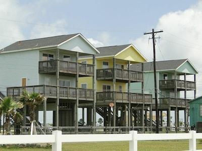 3Beachhouses deck facing the beach.