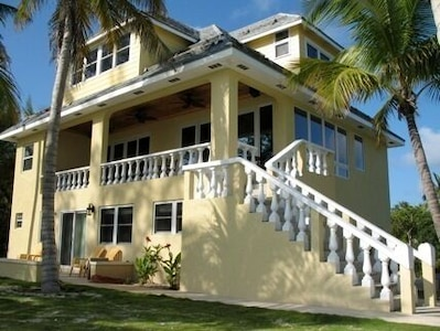 Jolly Mon Villa