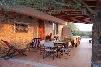 Villa immersa nella macchia mediterranea a 1 km dal mare ,offer dal 05 al 12 08