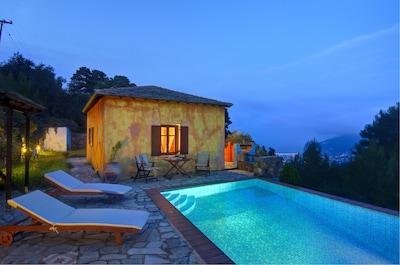 Villa Kentavros: The front terrace