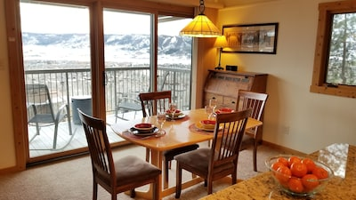 Dine with a view (seating for 7)