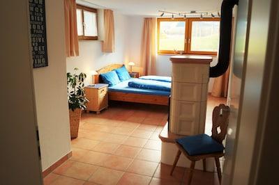 grosses Wohn-/Schlafzimmer mit Fussbodenheizung