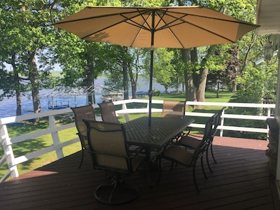 Large deck table with umbrella, seats 6