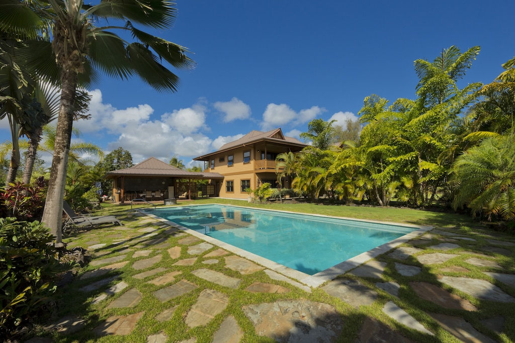 Check out this secluded villa in Hawaii island with a private pool.