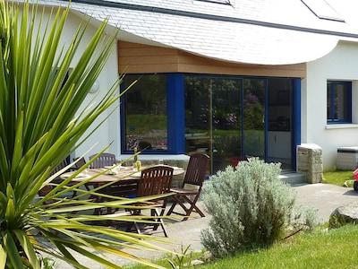 Terrasse bien exposée pour les repas à l'extérieur