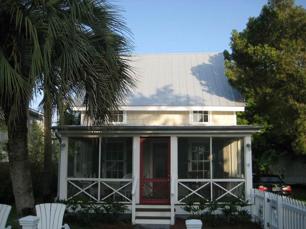 Cottage With Private Pool Two Blocks To Beach Savannah Beach