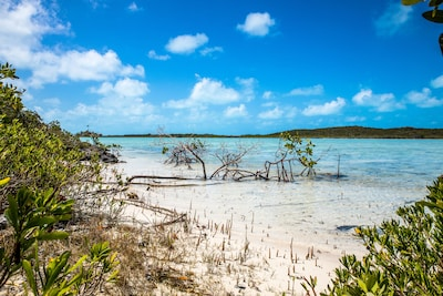Chalk Sound Drive, Turks and Caicos