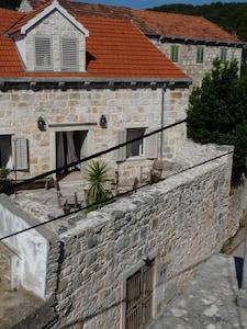 Front of Maison Marmont  (3 levels ) South terrace