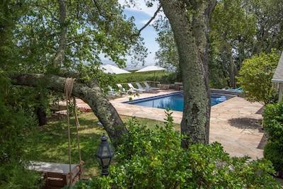 Huge pool, complete privacy, unbelievable views