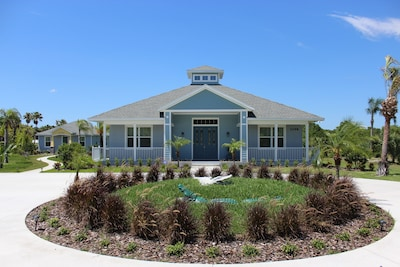 Gator Palace Front View