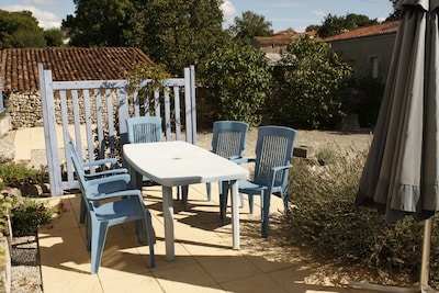 Front patio dining area