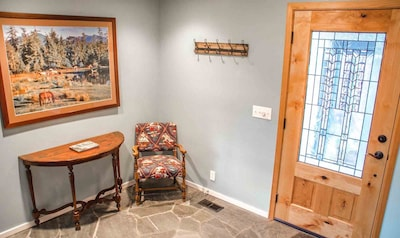 Front entry way - Welcome to 11 Virginia Rail located close to the Big Deschutes River.